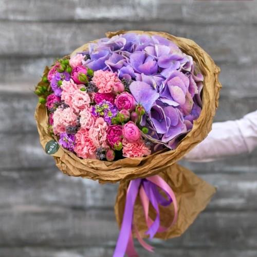 Купить на заказ Нежный букет из гортензий и кустовых роз с доставкой в Жезказгане