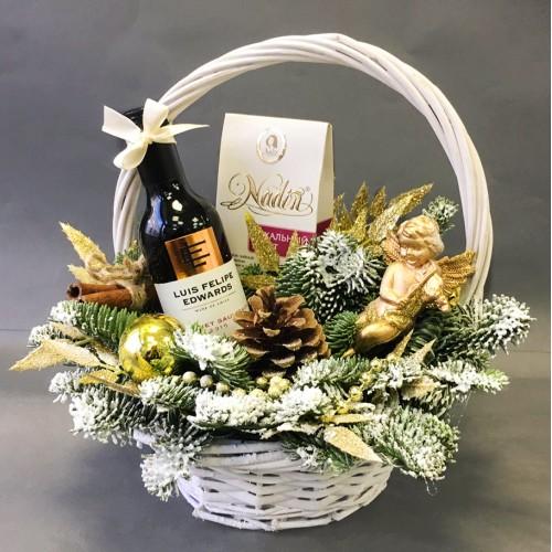 Купить на заказ Заказать Незабываемый подарок в плетёной корзине с доставкой по Жескасгану с доставкой в Жезказгане