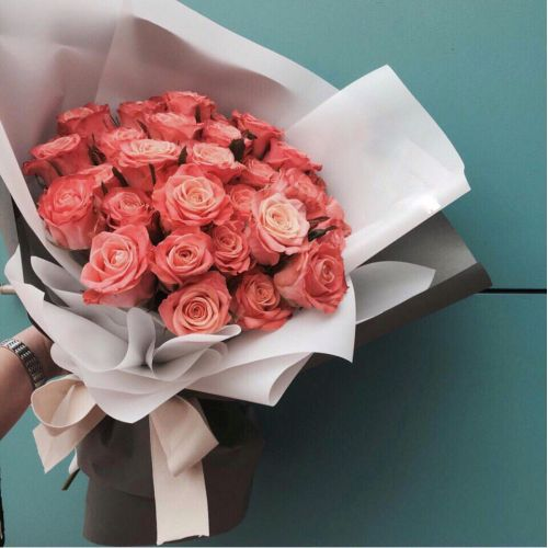 Купить на заказ Заказать Букет из 31 коралловой розы с доставкой по Жескасгану с доставкой в Жезказгане