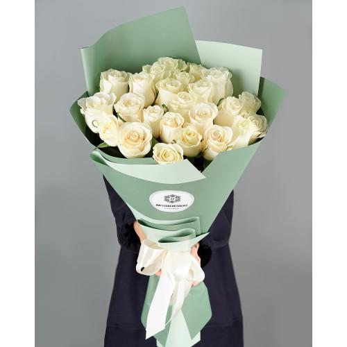 Купить на заказ Заказать Букет из 25 белых роз с доставкой по Жескасгану с доставкой в Жезказгане