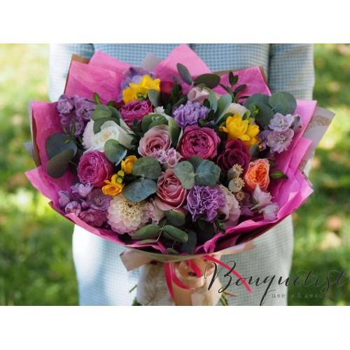 Купить на заказ Цветочный микс из гвоздик  с доставкой в Жезказгане