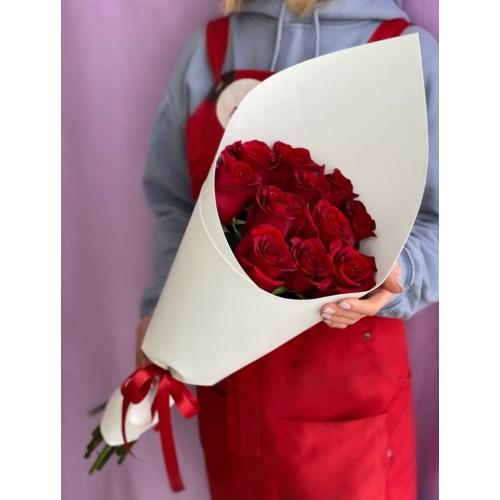 Купить на заказ Букет из 11 красных роз с доставкой в Жезказгане