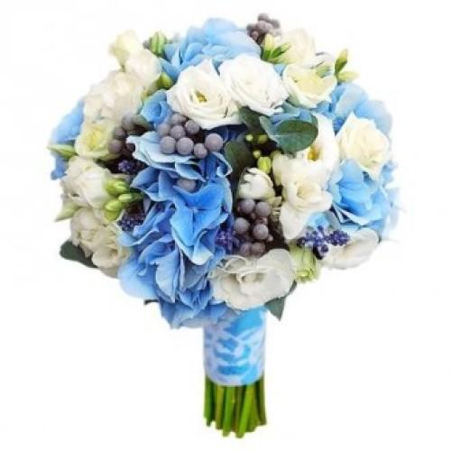 Купить на заказ Букет невесты из гортензий, фрезий и эустом с доставкой в Жезказгане