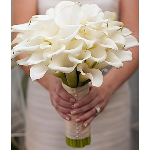 Купить на заказ Букет невесты из 37 калл с доставкой в Жезказгане
