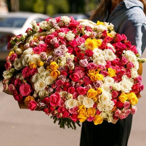 Купить на заказ Заказать Букет из 101 спрей розы с доставкой по Жескасгану с доставкой в Жезказгане