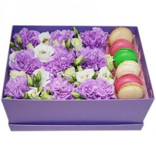 Купить на заказ Фиолетовые гвоздики в коробке с доставкой в Жезказгане